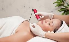 Chăm sóc da mặt chuyên sâu (trắng sáng da bằng VitaminC hoặc trẻ hóa da Collagen)